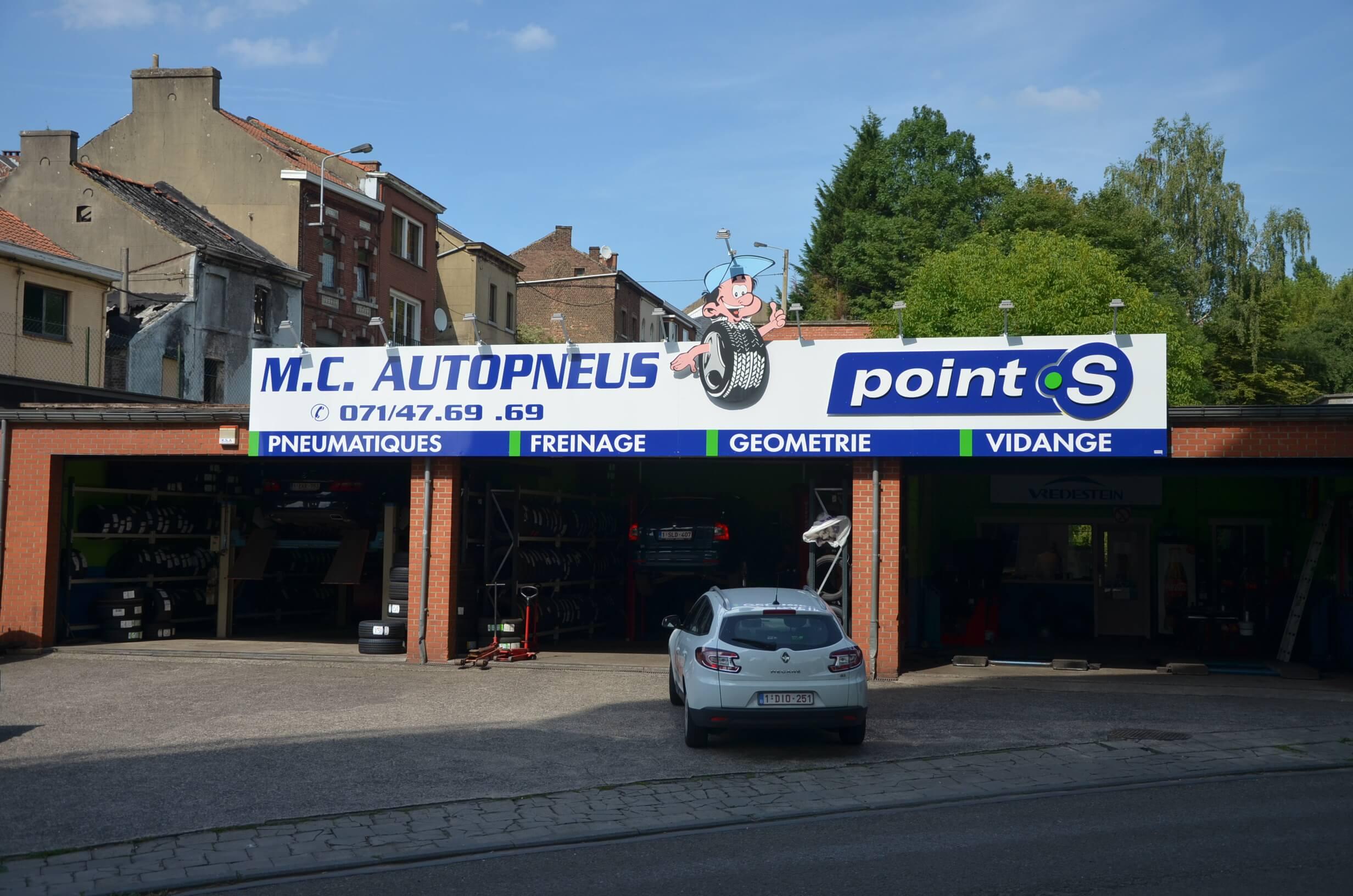Le centre Point S à Couillet: MC AUTO PNEUS SPRL