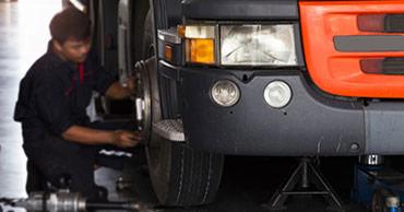 truck-tyres1570460590.jpg